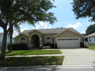 Orange Tree 4/3 pool home property, fully furnished, with full kitchen, and all linens and towels - Clermont vacation rentals