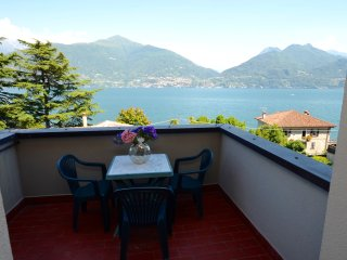 Apartment Cipresso 32 with Stunning Lake View, 2 Bedrooms, 6 Persons - San Siro vacation rentals