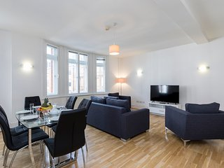 123. LUMINOUS 3BR MARYLEBONE FLAT NEXT TO REGENTS PARK - OXFORD STREET - Stratford City vacation rentals
