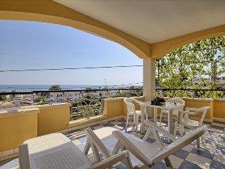Mansarda Canarina - splendida vista mare - Pescoluse vacation rentals