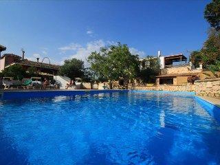 La Taverna - in complesso con piscina - Castrignano del Capo vacation rentals
