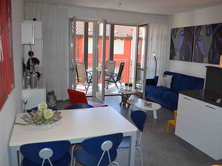 Luxury Apartment Mimosa 21 with Balcony, 2 Bedrooms, 5 Persons - San Siro vacation rentals