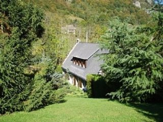 Chalet Hay, self catering in the pyrenees for skiing, cycling, walking holidays - Campan vacation rentals