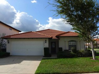 High Grove 4/3 pool home property, fully furnished, with full kitchen, and all linens and towels. - Clermont vacation rentals
