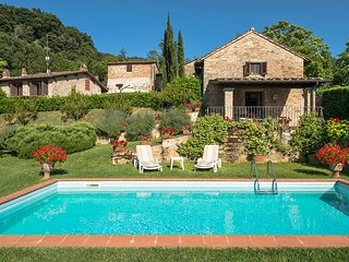 Cozy Villa in Vicchio with Television, sleeps 4 - Vicchio vacation rentals