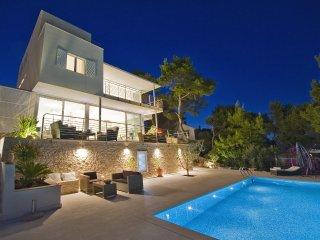 Luxury, Stunning, Seafront Villa With Infinity Pool And Amazing Views - Splitska vacation rentals