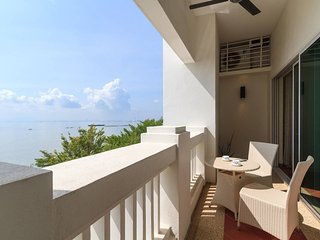 Home-Suites - Perfect Seaview,Straits Quay, Penang - Tanjong Bungah, Pinang vacation rentals