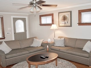 Wonderful 2 bedroom Cleveland House with Deck - Cleveland vacation rentals