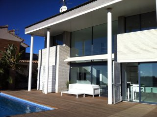 Stylish Villa Oasis with private pool and stunning sea views - Sitges vacation rentals