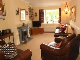 The Beeches: dog & child friendly in rural setting, large garden, parking - Portinscale vacation rentals