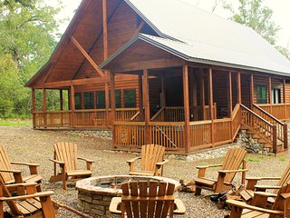 Peaceful Peak minutes from Broken Bow Lake and Beavers Bend State Park - Broken Bow vacation rentals