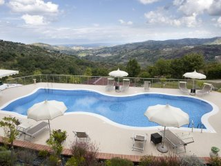 Cozy 3 bedroom Bed and Breakfast in Laureana Cilento with Housekeeping Included - Laureana Cilento vacation rentals