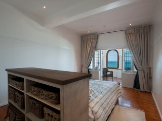 ST JAMES Cape Town Seaview + Whales - St. James vacation rentals