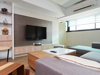 Clear Comfort 4B2b 2.5 Min to MRT, 101 - Taipei vacation rentals
