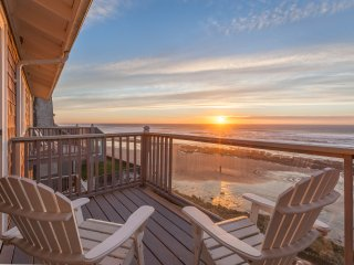 Moonraker - 1 BD, kitchen, beachfront, fireplace - Lincoln City vacation rentals