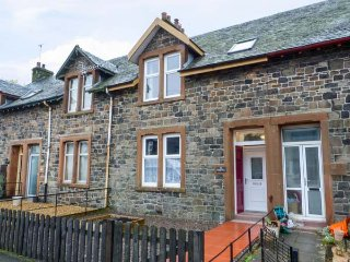 14 BEATTOCK PARK, open plan, lovely views, telescope, near Moffat, Ref 943418 - Beattock vacation rentals