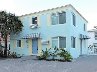 OCEANVIEW CONDO 2/1 FOR 8 1/2 BLOCK TO BEACH LARGE PATIO W DINING & LOUNGING - Hollywood vacation rentals