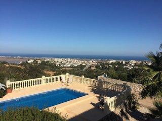 Cozy Villa with Washing Machine and Balcony - Rafol de Almunia vacation rentals