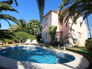 Cozy 2 bedroom Molinell Villa with Washing Machine - Molinell vacation rentals