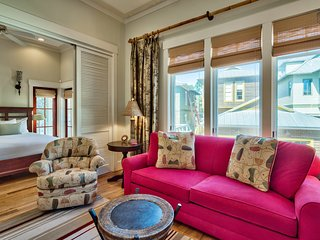 Centrally located carriage house with balcony, short walk to beach and pools - Sunsets at Rosemary Carriage House - Rosemary Beach vacation rentals