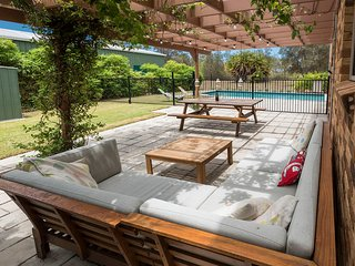 Driftwood Beach House - Beachfront, Swimming Pool, Sleeps 10, Pet Friendly - Burrum Heads vacation rentals