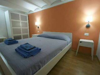 Cozy 3 bedroom Apartment in Palermo with Internet Access - Palermo vacation rentals