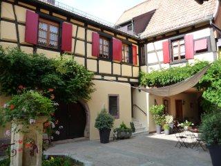 La Cour St Fulrad - Gîtes et B & B de charme - Saint-Hippolyte vacation rentals