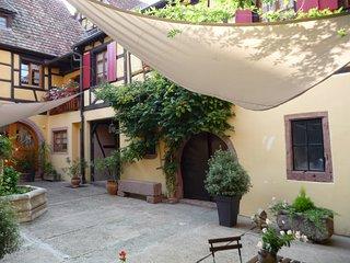 La Cour St Fulrad ; Gites et B & B de charme sur la Route des Vins d'Alsace - Saint-Hippolyte vacation rentals