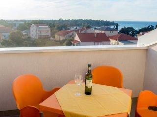 Sea view apartment for five, A6 - Novalja vacation rentals