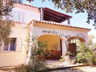 DOMOS SCOGLIERA-Appartamento a 450 mt dal mare - Sos Alinos vacation rentals
