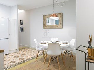 TWO SISTERS P1 - Barcelona vacation rentals