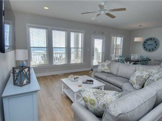 Beautiful Indian Beach Condo rental with Shared Outdoor Pool - Indian Beach vacation rentals