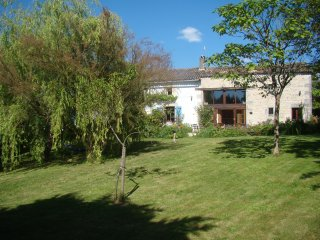 Barn  Conversion with swimming pool in small ,quiet hamlet. - Couhé vacation rentals