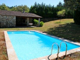 Casa da Cunha Cima - Country house with pool - Paredes de Coura vacation rentals