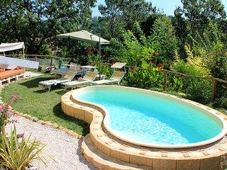 La Rupe del Falco: nature, swimming pool, relax - Monteciccardo vacation rentals