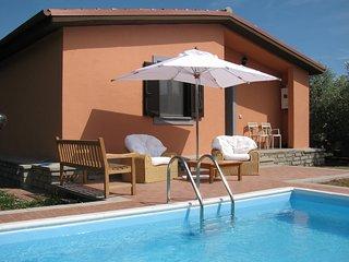 Bright 3 bedroom Vitorchiano Farmhouse Barn with Mountain Views - Vitorchiano vacation rentals