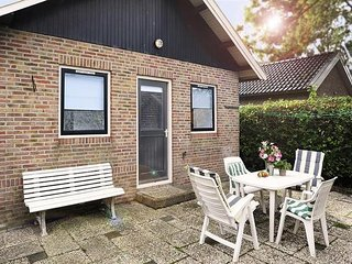Sleeps 4. Holiday cottage by the sea and National Park Lauwersmeer - Lauwersoog vacation rentals