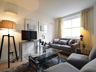 Earl's Court Apartment - London vacation rentals
