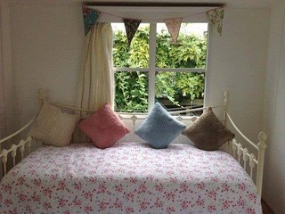 2 bed (sleeps 7) self catering van in woodland park - St Leonards-on-Sea vacation rentals