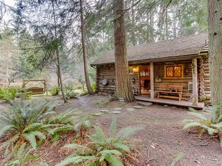 Log cabin on 25 acres w/ rustic charm & modern comfort! - Greenbank vacation rentals