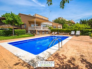 Idyllic villa in Castellarnau for 8-10 guests, a short drive/train ride from - Matadepera vacation rentals