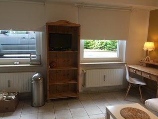 Hübsches Appartement im Grünen direkt an der A1 und  Remscheider Talsperre - Wermelskirchen vacation rentals