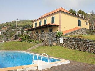 Bright 7 bedroom Faja da Ovelha Villa with Washing Machine - Faja da Ovelha vacation rentals