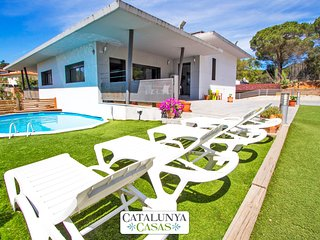 Lovely villa in the resort of Les Comes, Sils, only 15 min from Costa Brava - Sant Daniel vacation rentals