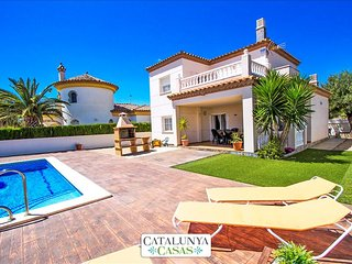 Incredible villa for 6 guests in Miami Platja, only 1.5km from the beach! - Miami Platja vacation rentals
