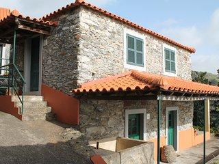 1 bedroom Gite with Washing Machine in Faja da Ovelha - Faja da Ovelha vacation rentals