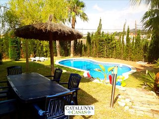 Casa Cunit for 8 guests,  just 5 minutes from the glimmering Mediterranean Sea - Cunit vacation rentals