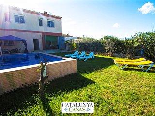 Villa del Sol for 7 in Deltebre, Tarragona, only 5km from the beaches of Costa - Bitem vacation rentals