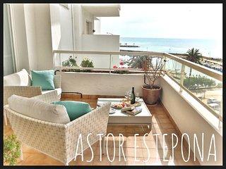 Astor Estepona: Lux 2BD, Frontline Marina, Pool, WiFi, Private Parking - Estepona vacation rentals