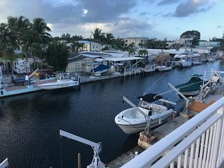 Gorgeous House with Deck and Internet Access - Ocean Reef vacation rentals